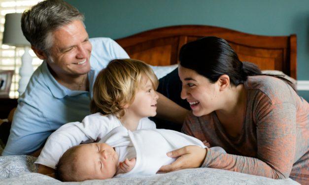 Présenter son enfant à sa famille
